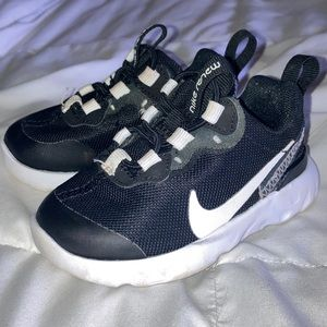 Black toddler Nike shoes